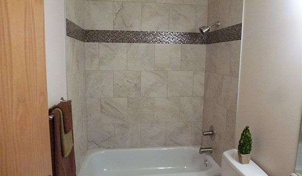 white tiled tub